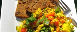 TOFU SCRAMBLE & FIG WALNUT BREAD