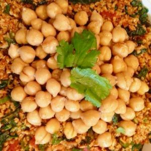 Bulgur with kale and spiced chickpeas