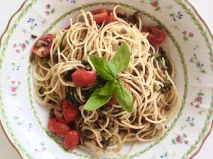 Spaghetti with Tomatoes and Lentils