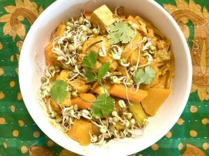 Curry with sprouted lentil in a bowl